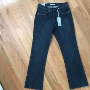 NWT!! Chico's 0 (4) Platinum Bootcut Jeans.